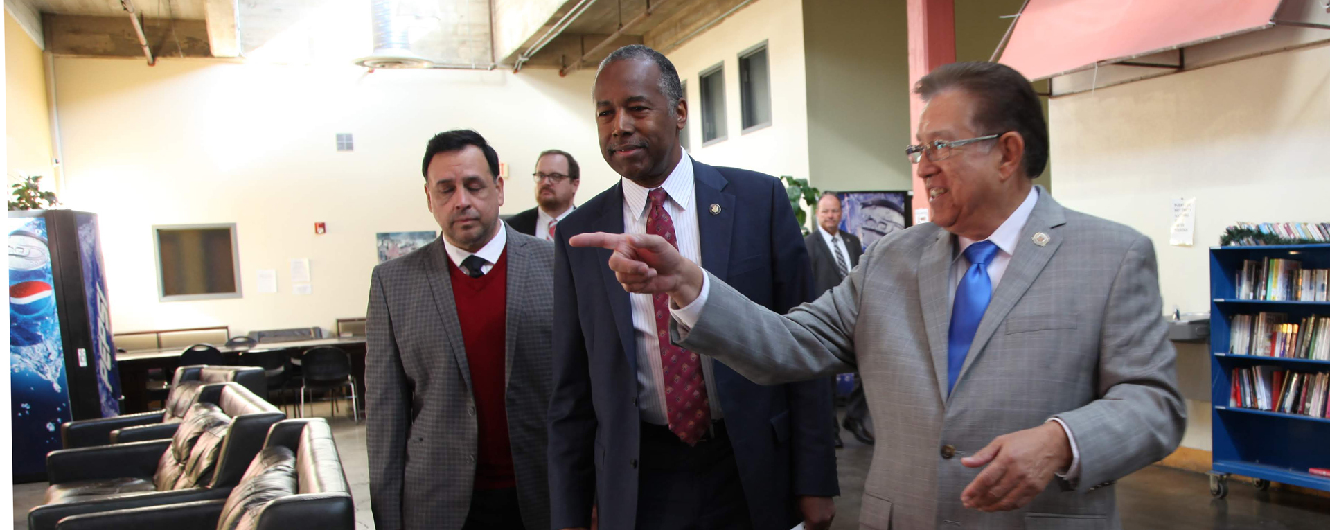 HUD secretary announces grant to help homeless veterans